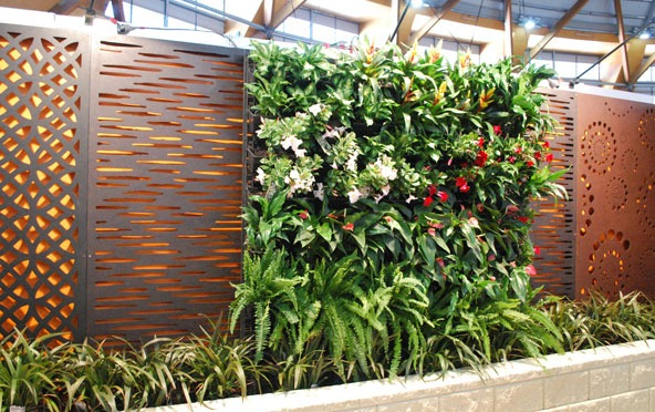 Vertical-garden-dr-garden-landscaping-services-lasercut-screens