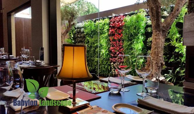 Vườn tường sang trọng tại nhà hàng