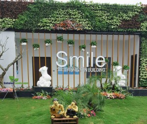 vườn tường kiểu mẫu smile building